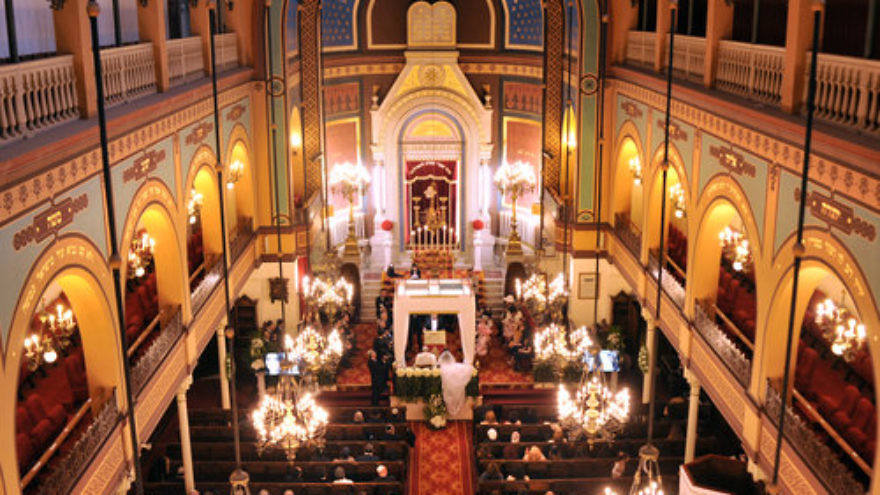 An audience in a synagogue in Paris. Credit: Serge Attal/Flash90.