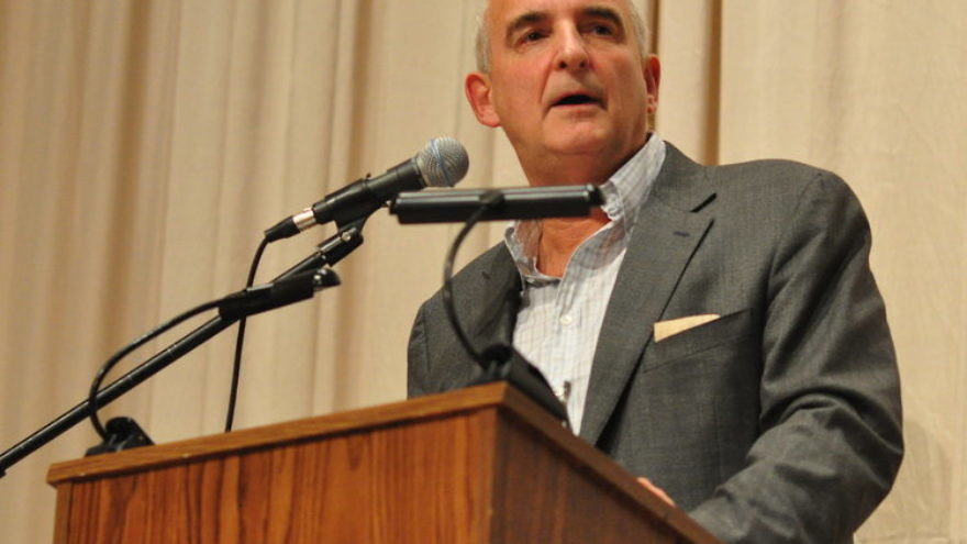 New York Times columnist Roger Cohen. Credit: Joe Mabel via Wikimedia Commons.