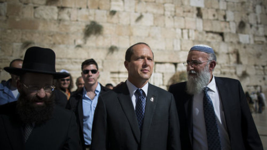 Jerusalem Mayor Nir Barkat (second from right) visits the Western Wall in the Israeli capital's Old City, Oct. 22, 2013. Credit: Yonatan Sindel/Flash90.