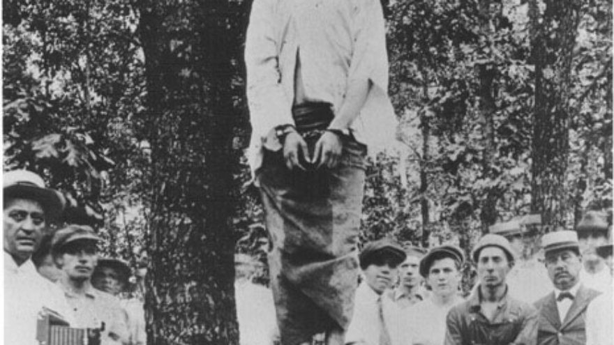 Click photo to download. Caption: The lynching of Leo Frank. Credit: Wikimedia Commons.