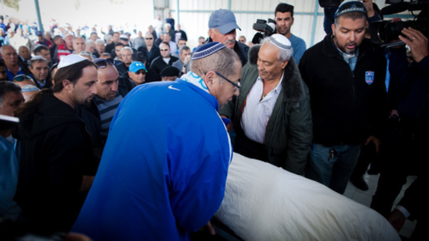 Click photo to download. Caption: The March 21 funeral of Simcha Damri, one of three Israelis who was killed in the March 19 suicide bombing in Istanbul. Credit: Flash90.