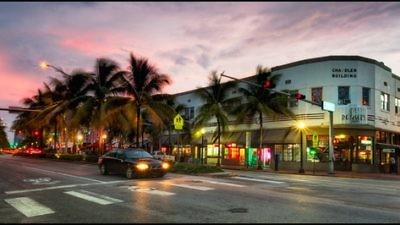 A view of Washington Ave and 15th Street in South Beach, Miami. Rather than the partying/nightlife destination it is known as today, South Beach used to be a prime spot for Jewish seniors. Credit: Pedro Szekely via Wikimedia Commons.