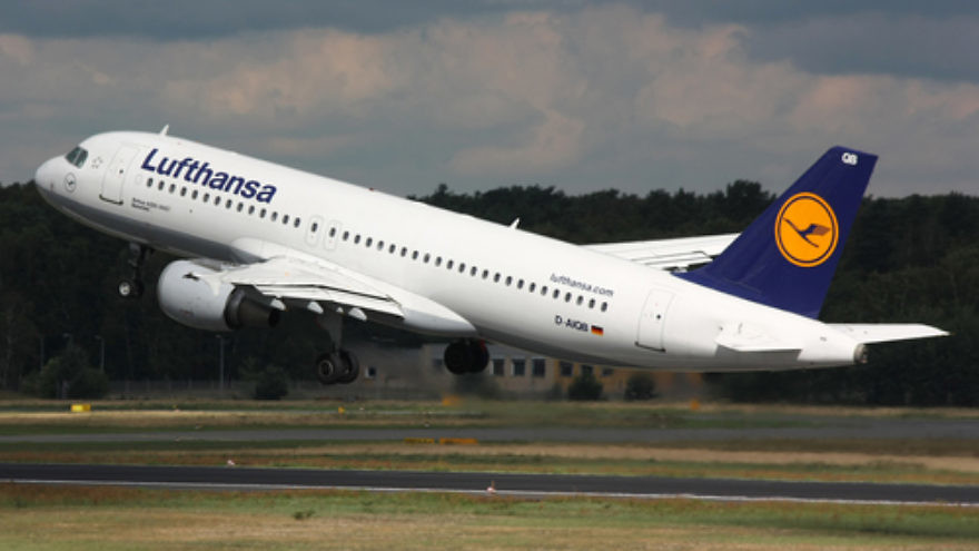 """Click photo to download. Caption: A Lufthansa Airbus A320 takes off at Berlin Tegel Airport.  From legacy carriers such as Lufthansa, the largest airline in Europe, to low-cost carriers such as Great Britain's easyJet, new flights to and from Israel are popping up all over the grid following the EU-Israel """"Open Skies"""" agreement. Credit: Lasse Fuss via Wikimedia Commons."""