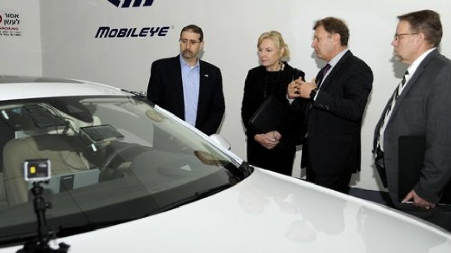 In February 2016, Daniel B. Shapiro (left), then the U.S. ambassador to Israel, witnesses the Israeli company Mobileye's advanced driver-assistance systems technology. Credit: U.S. Embassy Tel Aviv.