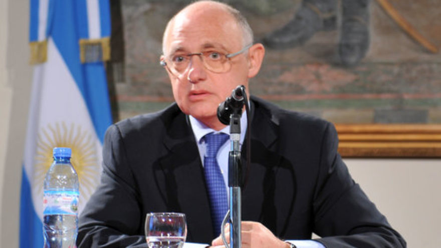 Hector Timerman. Credit: Cancillería Argentina via Wikimedia Commons.