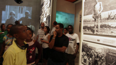 Sudanese refugees, who arrived in Israel in the wake of Darfur genocide, visit Yad Vashem, the Holocaust history museum in Jerusalem in 2009. Credit: Kobi Gideon/FLASH90.