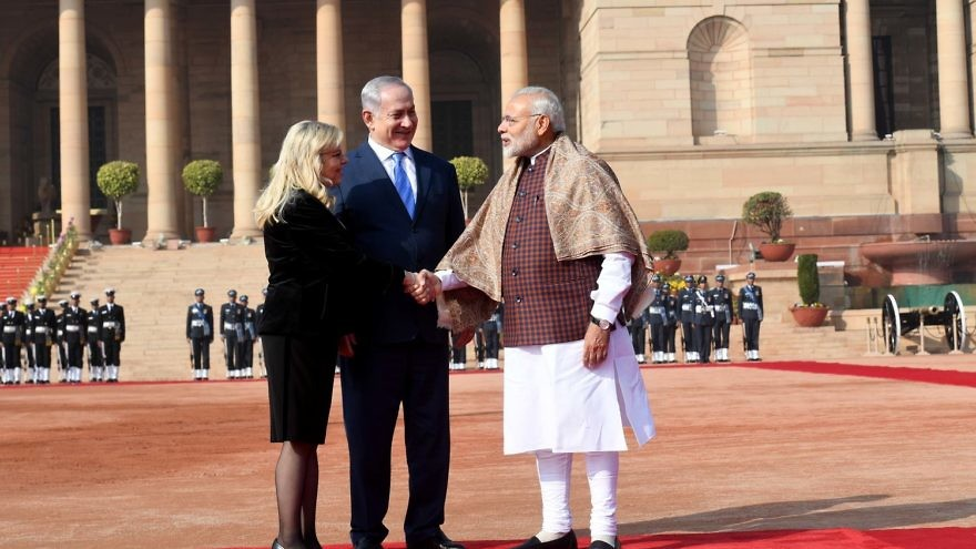 Israeli Prime Minister Benjamin Netanyahu and his wife, Sara, are welcomed by Indian Prime Minister Narendra Modi at the Presidential Palace in New Delhi on Jan. 15, 2018. Credit: Avi Ohayon/GPO.