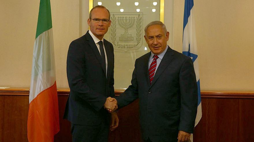 Irish Foreign Minister Simon Coveney (left) with Israeli Prime Minister Benjamin Netanyahu in Jerusalem in July 2017. Credit: Haim Zach/GPO.