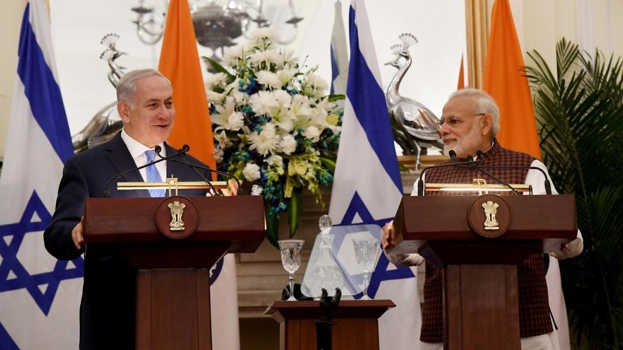 Israeli Prime Minister Benjamin Netanyahu and Indian Prime Minister Narendra Modi make a joint appearance in India on Monday. Credit: Avi Ohayon/GPO.