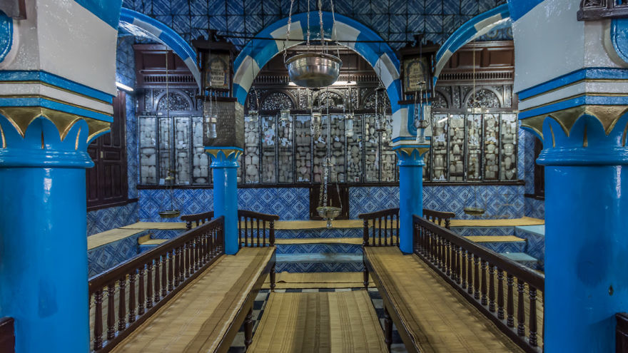 The historic Ghriba Synagogue in Tunisia. Credit: Issam Barhoumi via Wikimedia Commons.