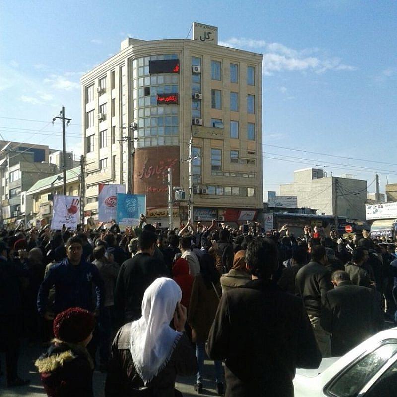 An anti-regime protest in Kermanshah, Iran, on Dec. 29, 2017. Credit: VOA News via Wikimedia Commons.