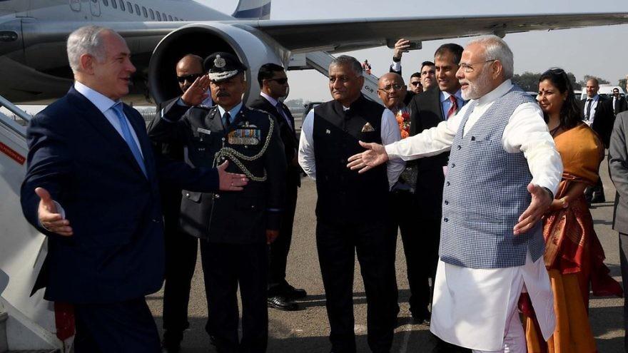 Israeli Prime Minister Benjamin Netanyahu being greeted by Indian Prime Minister Narendra Modi in New Delhi. Credit: Avi Ohayon/GPO.