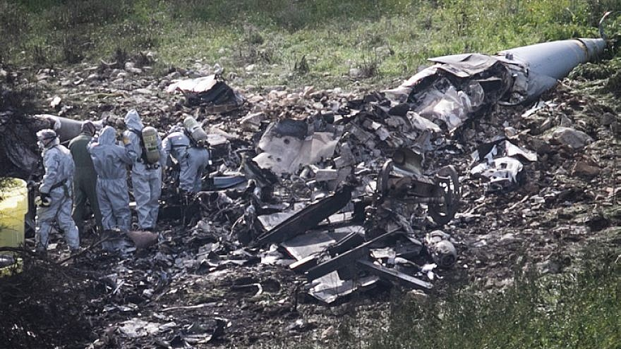 Remains of an F-16 plane crashed early in northern Israel, on February 10, 2018. Photo by Anat Hermony/Flash90