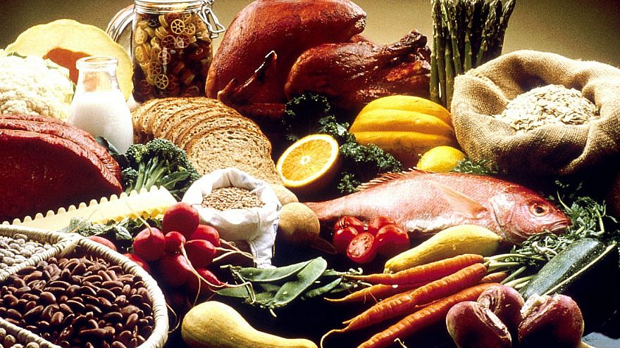 Healthy eating is related to longevity. Credit: Wikipedia.