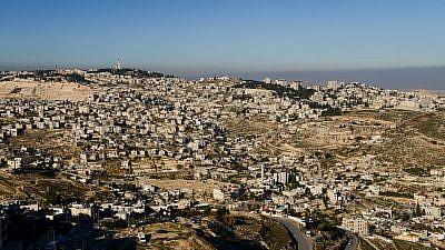 View of East Jerusalem neighborhood of Jabel Mukaber, on January 8, 2018. Photo by Mendy Hechtman/Flash90 *** Local Caption *** éøåùìéí â'áì îåëàáø ùëåðä îæøçé éøåùìéí