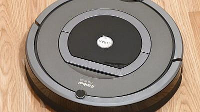 The popular iRobot Roomba. Smart home devices like this can corrupted by malware and used to spy on users, according to Israeli researchers. Credit: Wikimedia Commons.