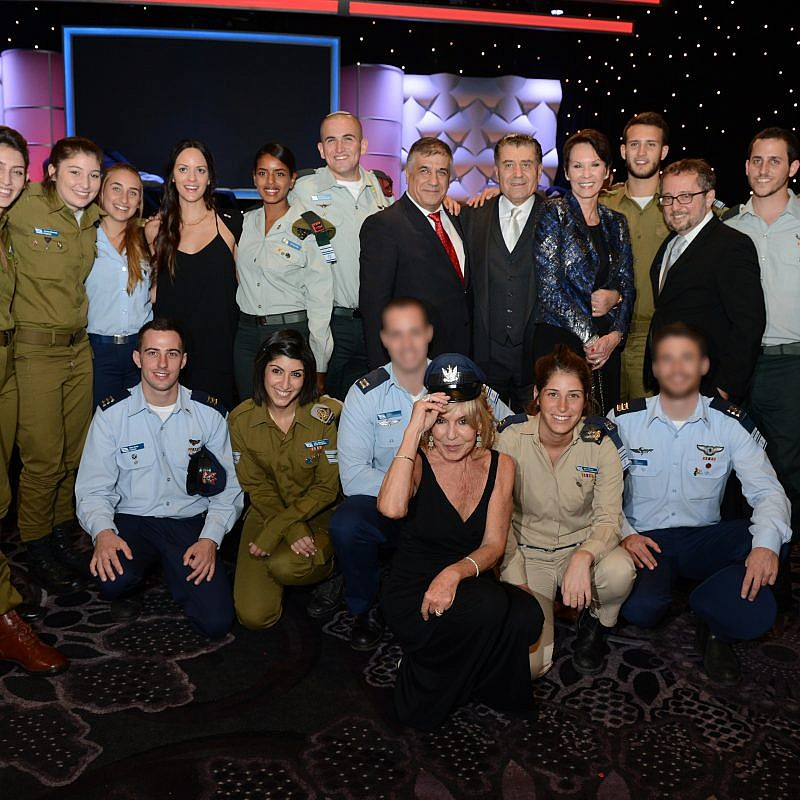 Haim Saban, center, and Cheryl Saban, front row, at a Friends of the IDF annual dinner. Photo by Peter Halmagyi.