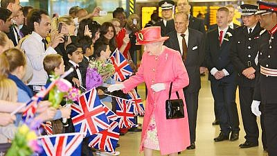 Queen Elizabeth visiting Birmingham in July 2012 as part of her Diamond Jubilee tour. Credit: Wikimedia Commons.
