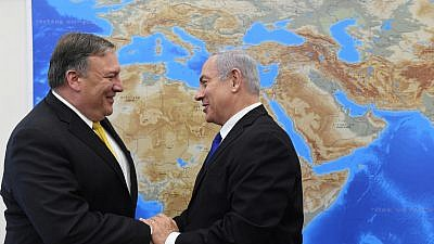 Israeli Prime Minister Benjamin Netanyahu greets U.S. Secretary of State Mike Pompeo (left) in Tel Aviv. Photo by Haim Zach/GPO