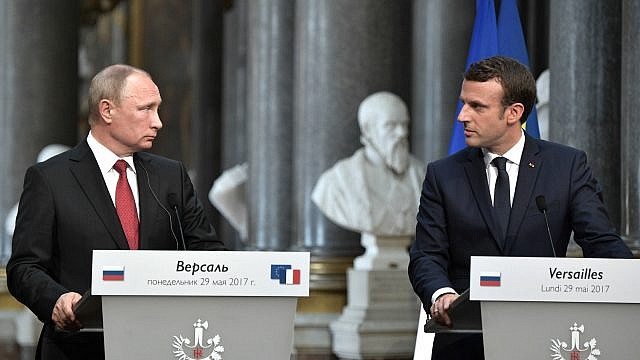 Russian President Vladimir Putin and French President Emmanuel Macron in Versailles, France on May 29, 2017. Photo by www.kremlin.ru/Wikimedia Commons