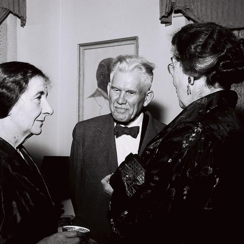 Walter Lowdermilk. To his left is Golda Meir. (Credit: David Rubinger, GPO)