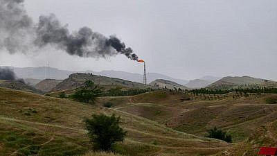 A whopping 80 percent of air pollution in Tehran is due to cars; the remaining 20 percent comes from factories and industry emissions. Credit: Wikipedia.