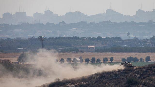 An Israeli tank patrols near the Israeli border with the Gaza Strip on May 29, 2018. Photo by Yonatan Sindel/Flash90.
