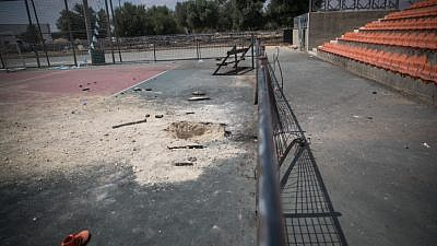 The result of a grad rocket from Gaza, which fell overnight in the southern Israeli city of Netivot, May 30, 2018. Photo by Yonatan Sindel/Flash90.
