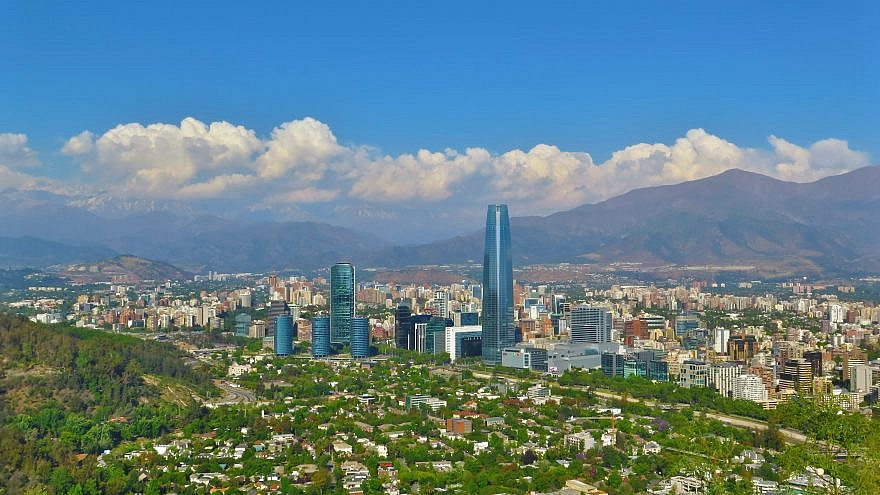 A view of Santiago, Chile with the Andes mountains in the background. Credit: Wikimedia Commons.