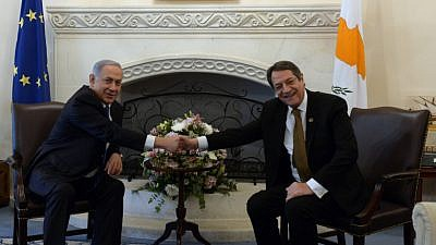 Israeli Prime Minister Benjamin Netanyahu shake hands with Cyprus President Nicos Anastasiades at the Presidential Palace in Nicosia, Cyprus, on Jan. 28, 2016. Photo by Haim Zach/GPO.