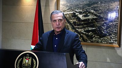 Nabil Abu Rudeinah, spokesman for Palestinian Authority leader Mahmoud Abbas, speaks at a press conference in the West Bank city of Ramallah on December 5, 2017.  Source: Flash90.