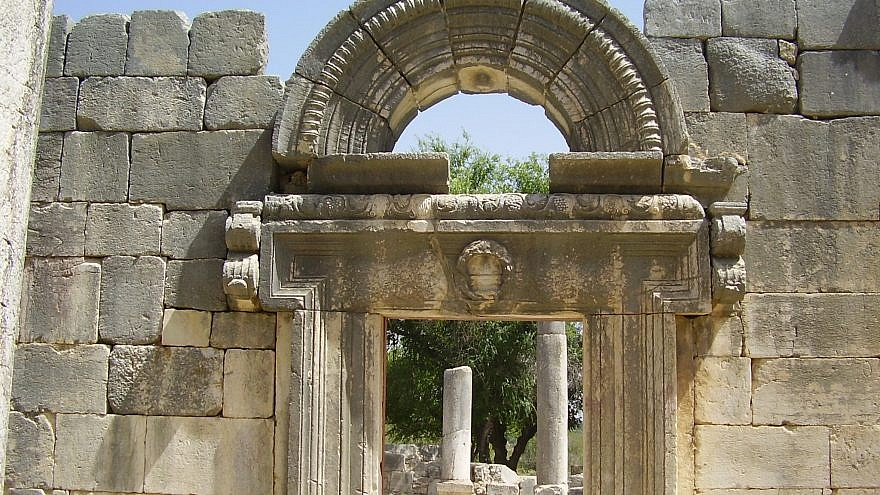 The ancient synagogue in Baram (Wikimedia Commons)