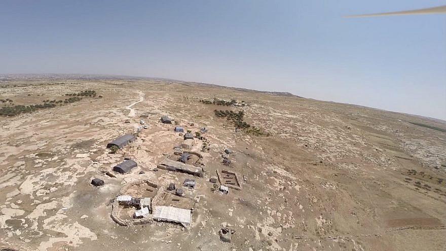 Aerial view of the illegal Nawaja outpost at Susiya. (Credit: Regavim)