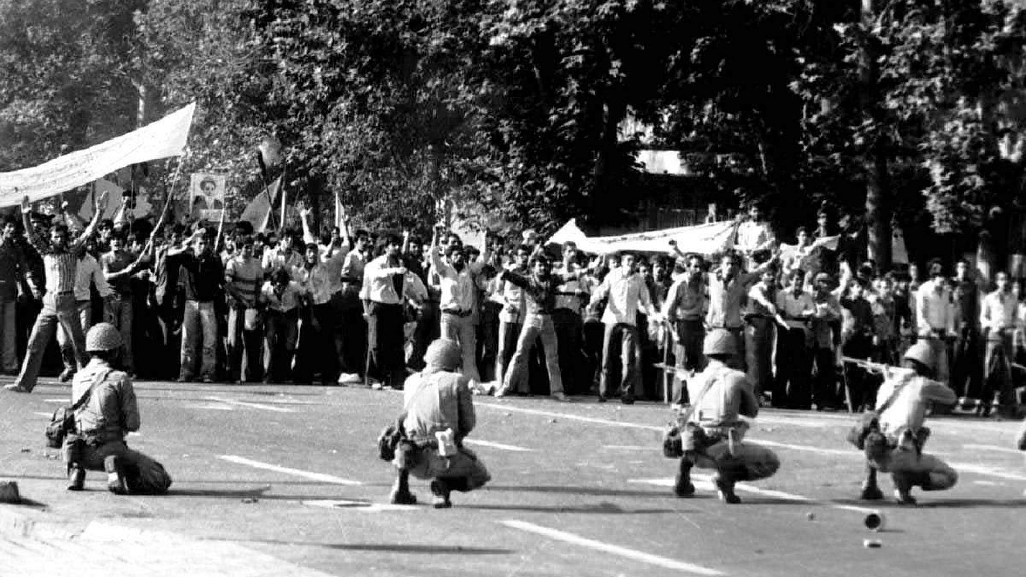 Scene from Iranian Revolution of 1979. Credit: Wikimedia Commons