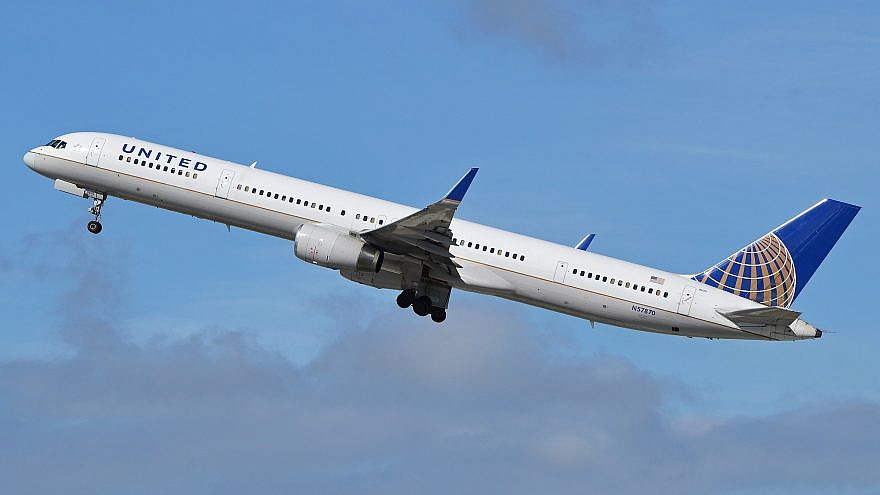 A United Airlines Boeing 757-33. Credit: Wikimedia Commons.