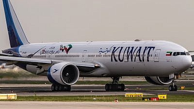 Kuwait Airways Boeing 777-369(ER) departing to Kuwait City. Credit: Photo by Oliver Holzbauer/Flickr.