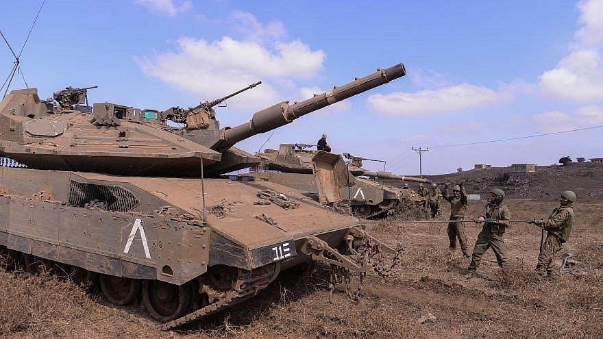 IDF soldiers with the Gideon Brigade combat team training with Merkava 4 tanks. Credit: IDF Spokespersons Unit.