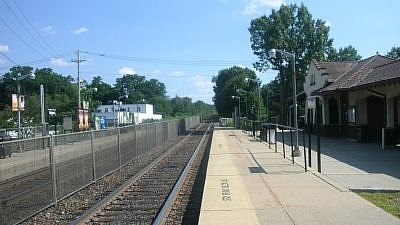 The train station in Mahwah, New Jersey. Credit: Wikimedia Commons.