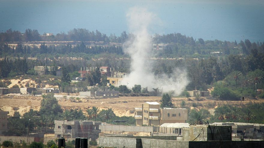Smoke rises after the shelling by tanks in Rafah during a military campaign launched by the Egyptian army against Da'ash (Islamic State) in the northern Egyptian Sinai near the border with the Gaza Strip, on Sept. 16, 2017. Photo by Abed Rahim Khatib/Flash90.