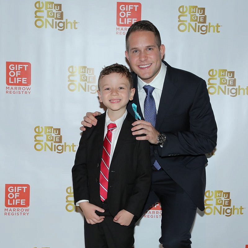 Gift of Life Marrow registry donor Alex Weiss of Fort Lauderdale, Fla., with recipient Idan Zablocki, 6, of New York City. Credit: David Nicholas Photography.