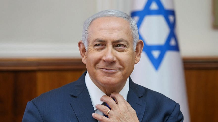 Israeli Prime Minister Benjamin Netanyahu leads the weekly government conference at the Prime Minister's Office in Jerusalem on Oct. 7, 2018. Credit: Alex Kolomoisky/POOL/Yediot Achronot.