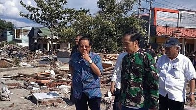 President of Indonesia Joko Widodo examines the destroyed Balaroa residential area in Palu following the Sept. 28, 2018 earthquake and ensuing tsunami. Credit: Presidential Staff of Indonesia/Wikimedia Commons.