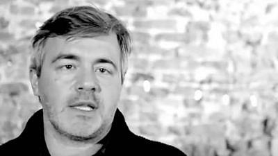 Robrecht Vanderbeeken, a professor at VUB (Vrije Universiteit Brussel) in Brussels and national secretary of the Flemish Socialist ACOD public-service trade union. Source: Screenshot/YouTube.