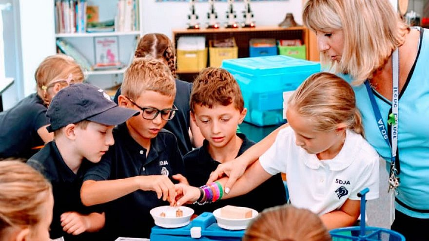 Children participate in a science experiment at the San Diego Jewish Academy Golda Meir Lower School, which has been named a 2018 National Blue Ribbon School by the U.S. Department of Education. Credit. Courtesy.