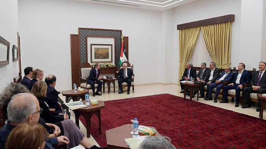 J Street members meet with Palestinian Authority leader Mahmoud Abbas at his headquarters in Ramallah, Oct. 17, 2018. Credit: Screenshot.