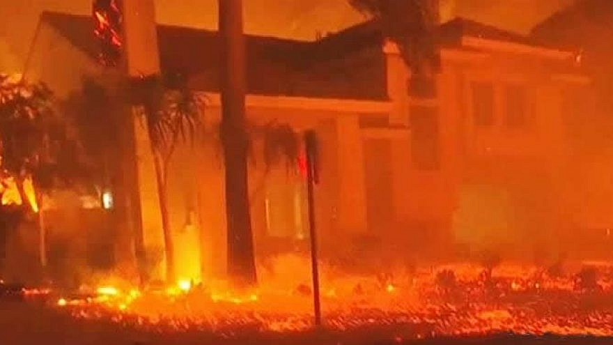 The worst wildfires in California history have spread throughout two areas in the state's north and south, Nov. 9, 2018. Credit: Chabad.org/News.