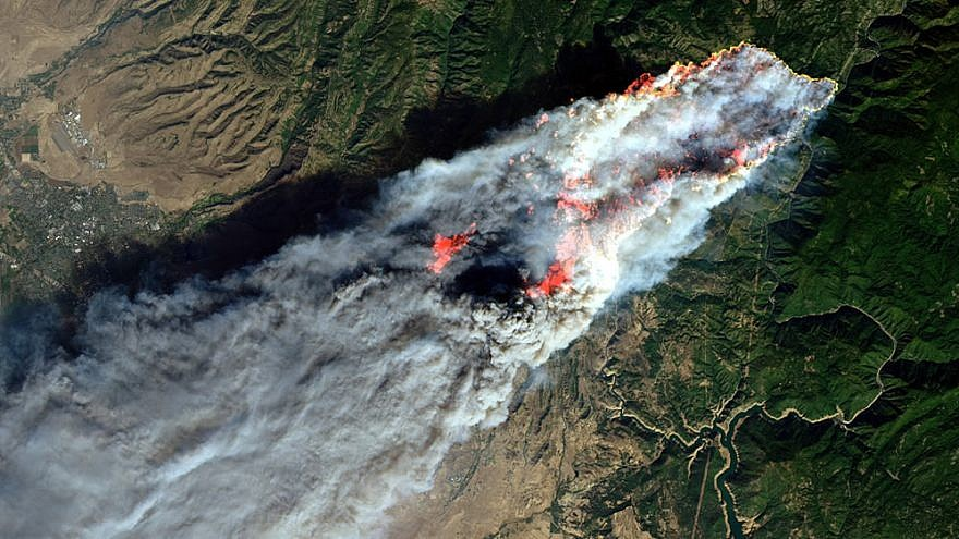 On the morning of Nov. 8, 2018, the Camp Fire erupted 90 miles (140 kilometers) north of Sacramento, Calif. By evening, the fast-moving fire had charred around 18,000 acres and remained zero percent contained. Credit: NASA (Joshua Stevens) via Wikimedia Commons.