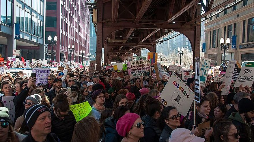 The Women's March Chicago, Jan. 21, 2017. Credit: bradhoc/Wikimedia Commons.