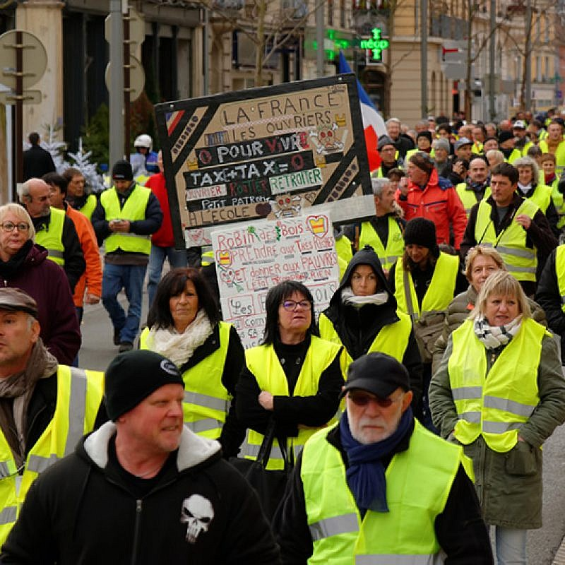 Yellow vests movement protest in Belfort, France, on Dec. 1, 2018. Photo by Thomas Bresson/Wikimedia Commons.