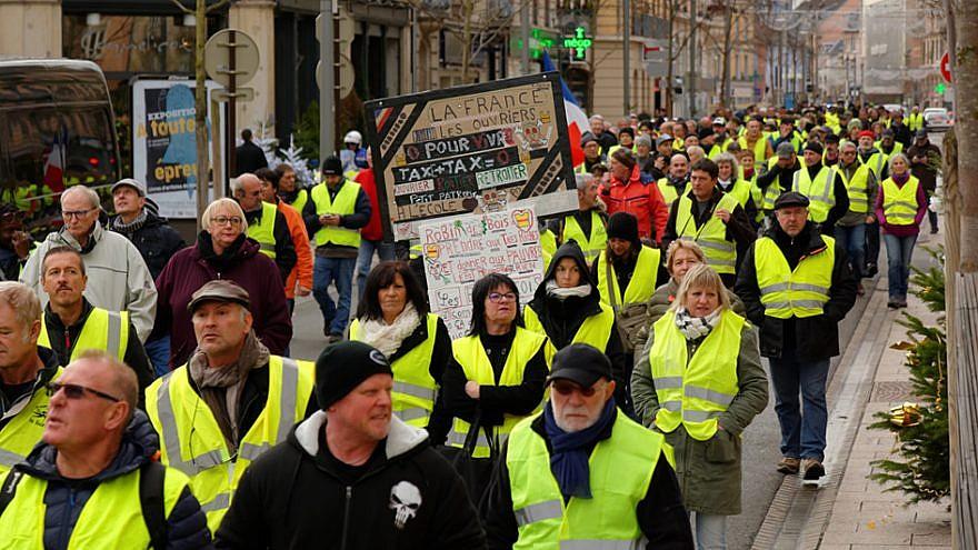 Bildergebnis für France rallies against anti-Semitism following racist speech at yellow vest march